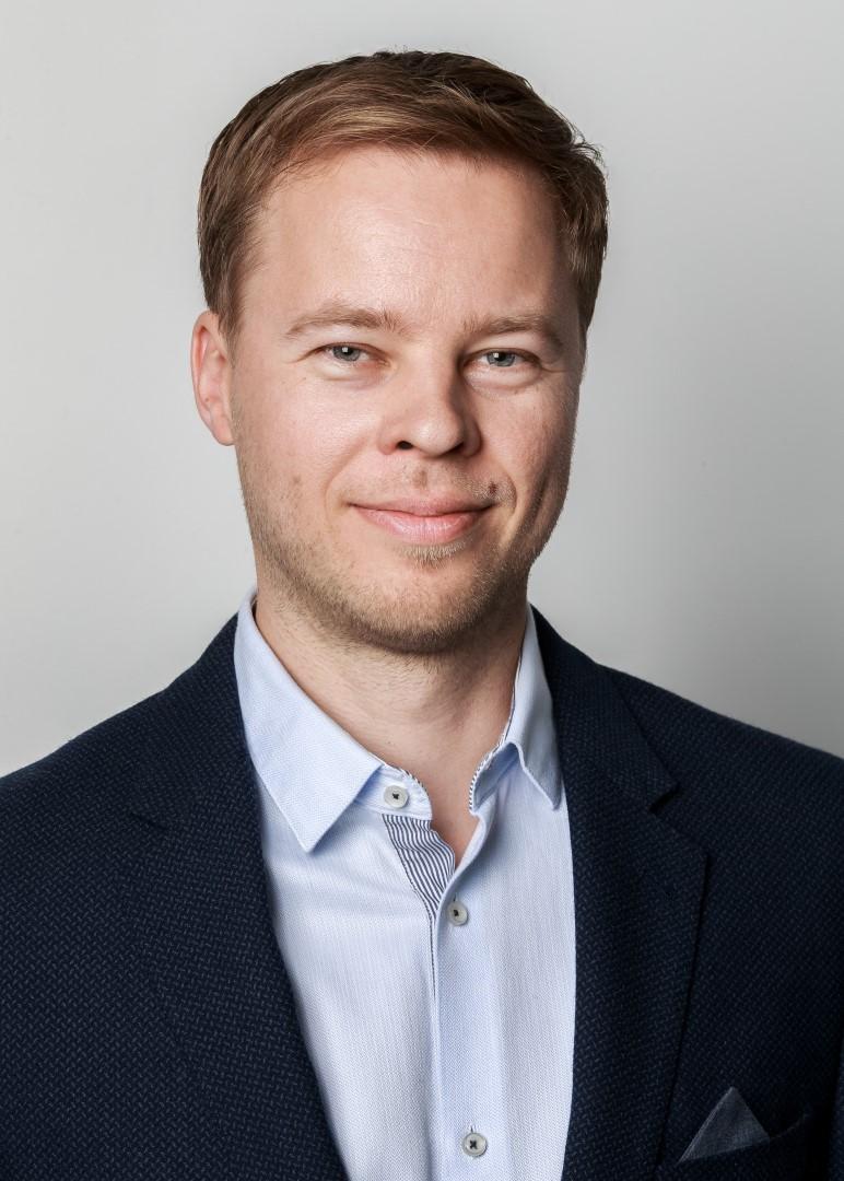 plastikos chirurgas dr. Dainius Daunoravičius