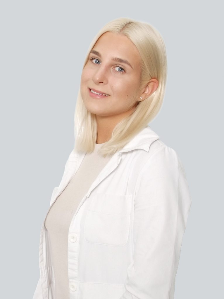 Augustė Manelytė